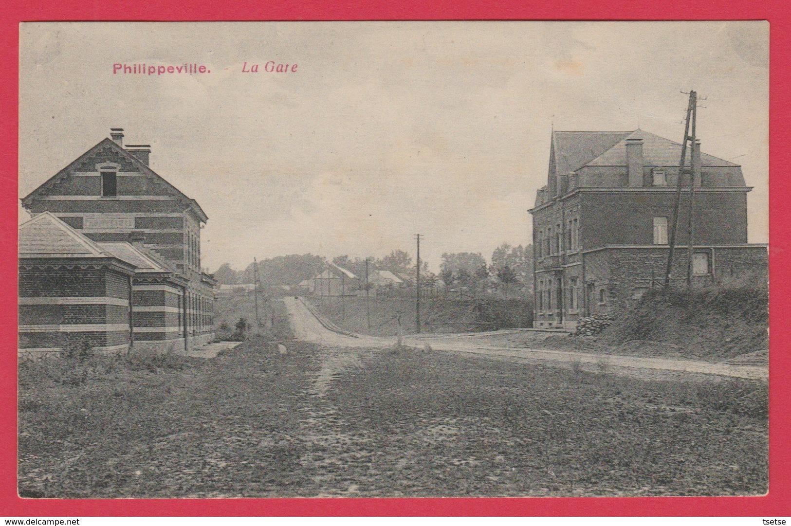 Philippeville - La Gare - Jolie Carte Oblitérée En 1920 ( Voir Verso) - Philippeville