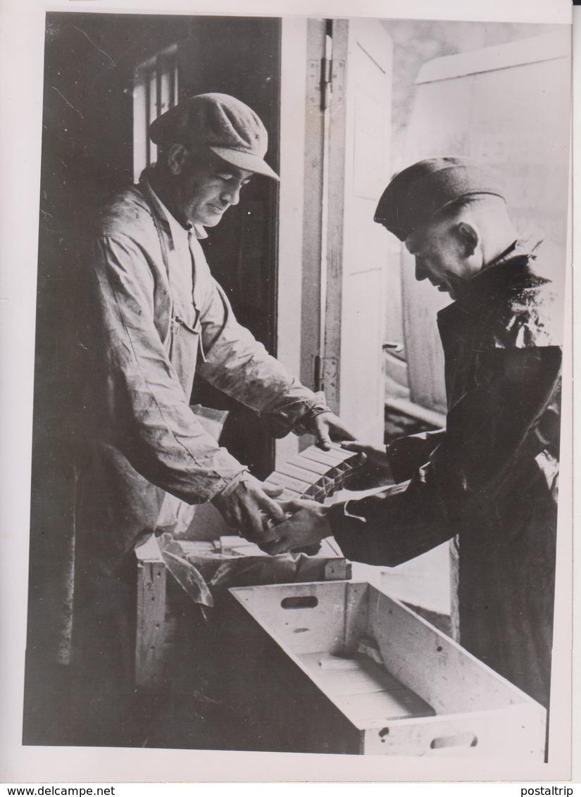 ZIGARRETTEN TAGESRATION  NORWEGEN NORWAY FOTO DE PRESSE WW2 WWII WORLD WAR 2 WELTKRIEG Aleman Deutchland - Guerra, Militares