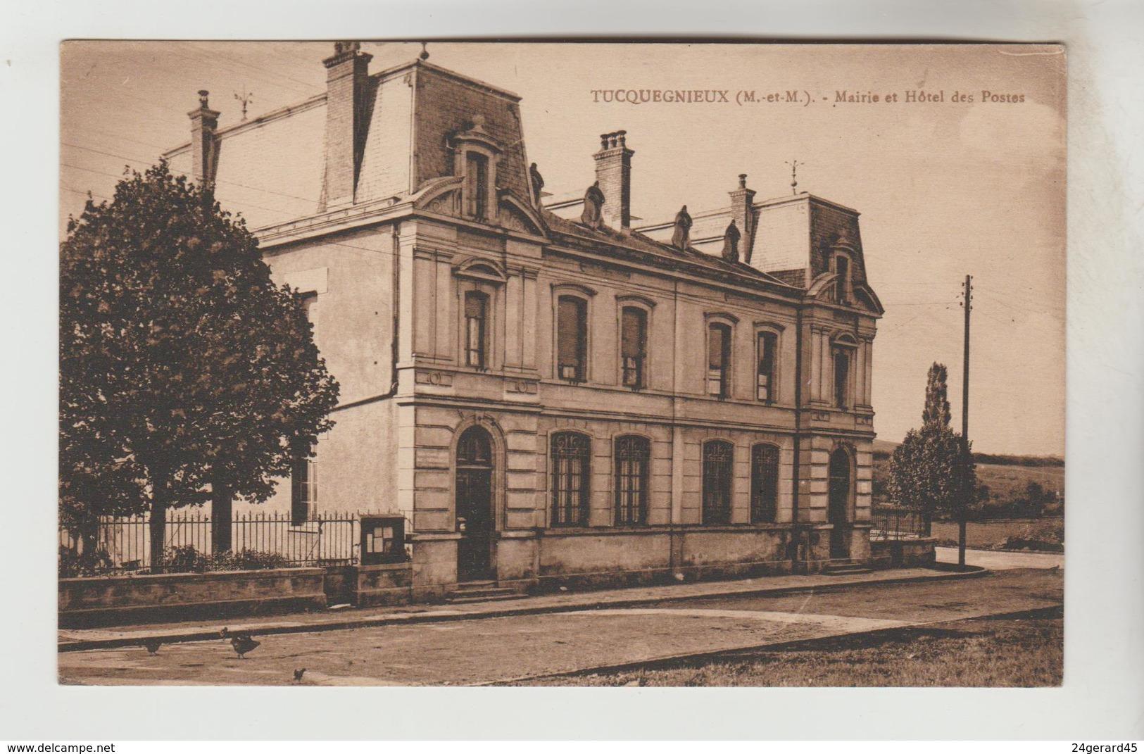 CPSM TUCQUEGNIEUX (Meurthe Et Moselle) - Mairie Et Hôtel Des Postes - Autres Communes