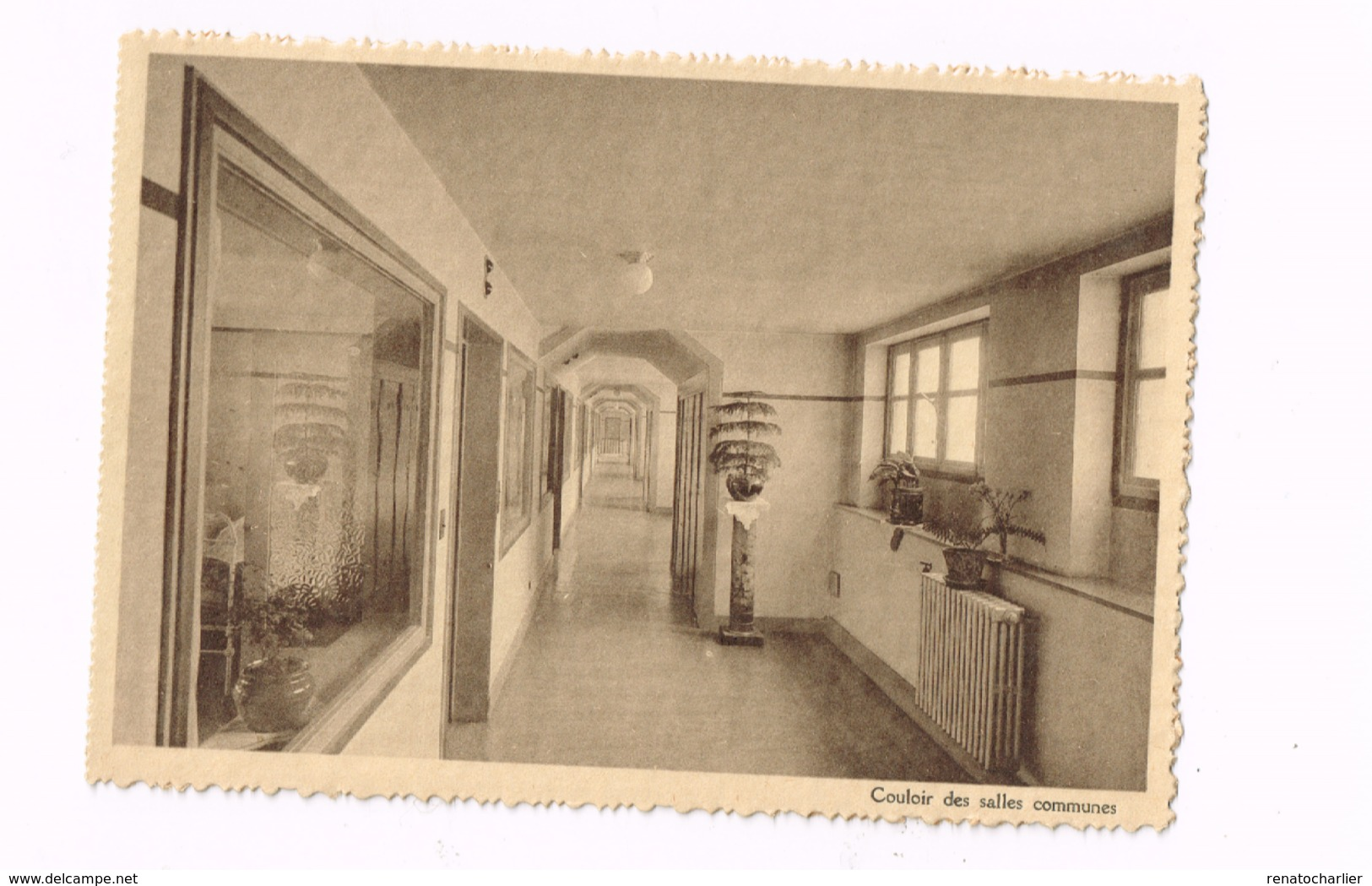 Institut SS Jean & Elisabeth.couloir Des Salles Communes. - Santé, Hôpitaux