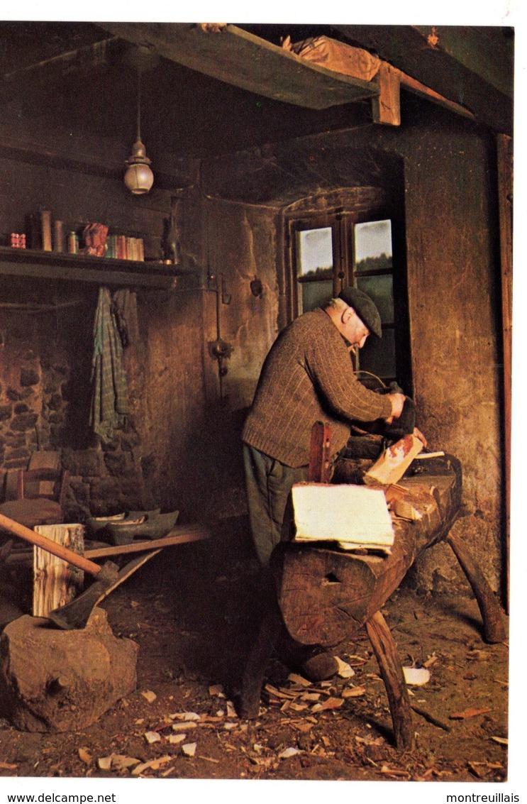 CPM, Grand Format 17 X 12, Le Sabotier, Travail Dans Son Atelier, Monde Agricole, Jamais Voyagée - Cultures