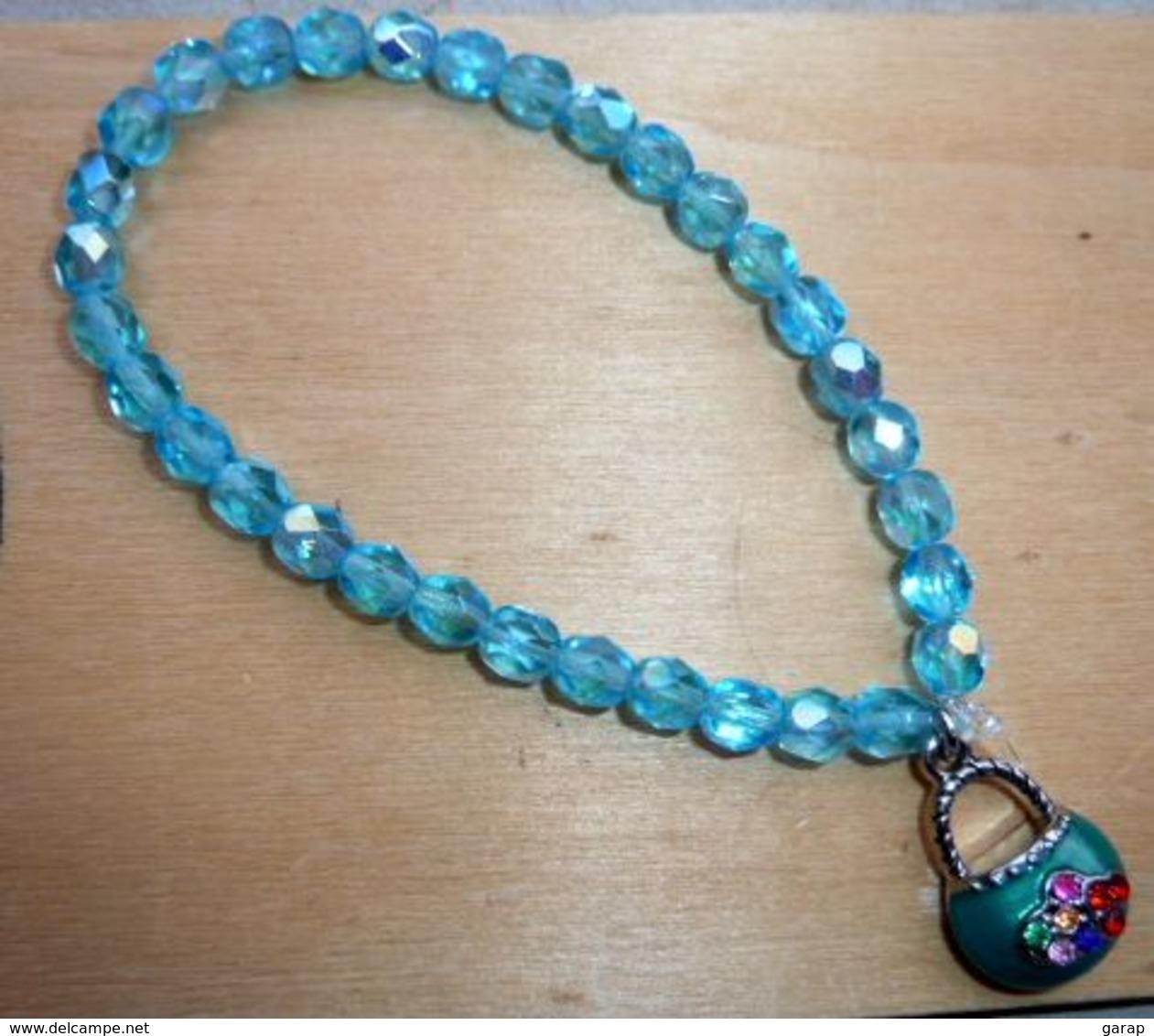 Bra-043 Lot De 2 Bracelets Fantaisies Extensibles Avec Leur Breloque - Bijoux & Horlogerie