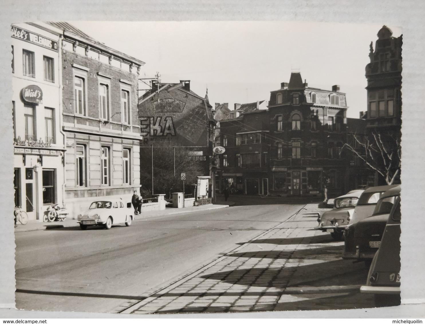 Photo Chênée. Place Joseph Willem Vers Maison Communale. Années 60. 13x18 Cm - Lieux