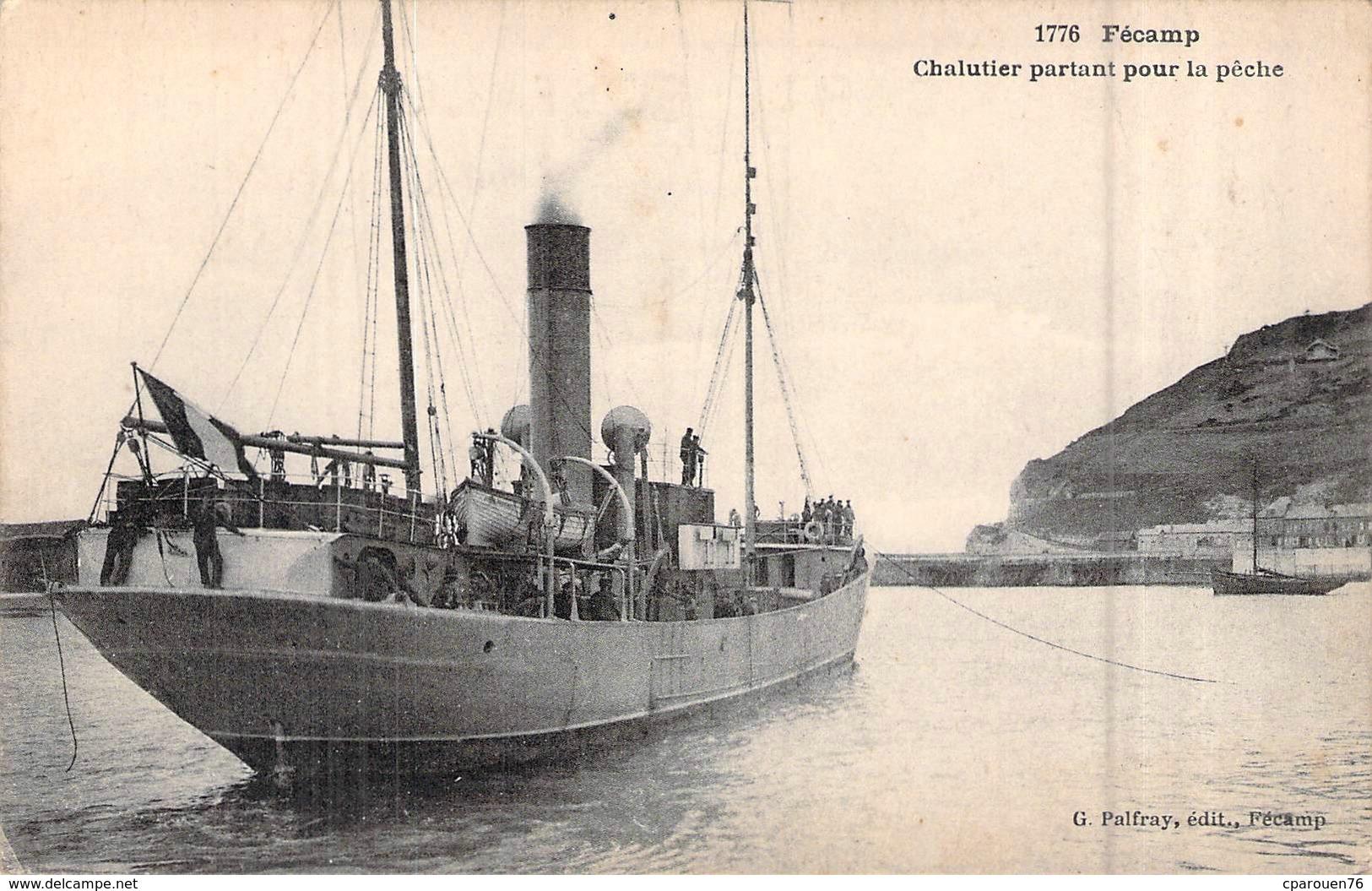 C P A 76] Seine Maritime  Fécamp Chalutier Partant Pour La Pêche - Fécamp