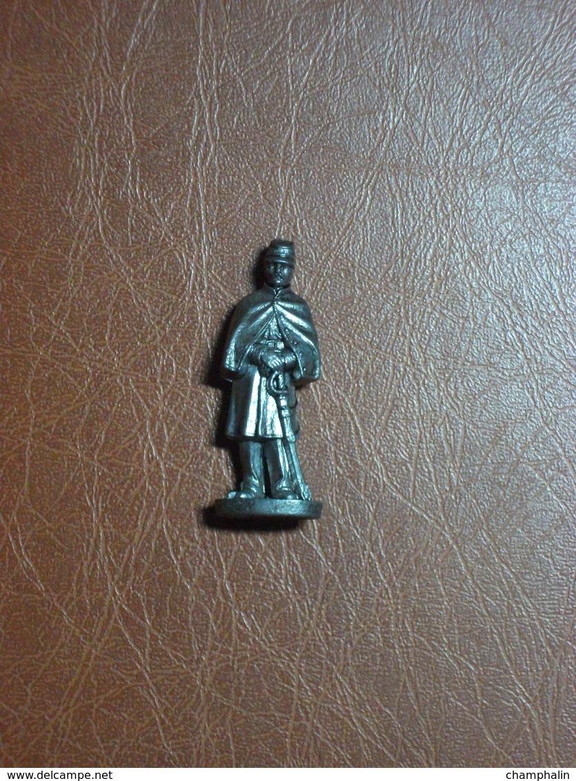 Figurine En Métal Kinder - Série Les Soldats Français De 1870 à 1900 - Officier Avec Sabre - Finition Etain - Figurines En Métal