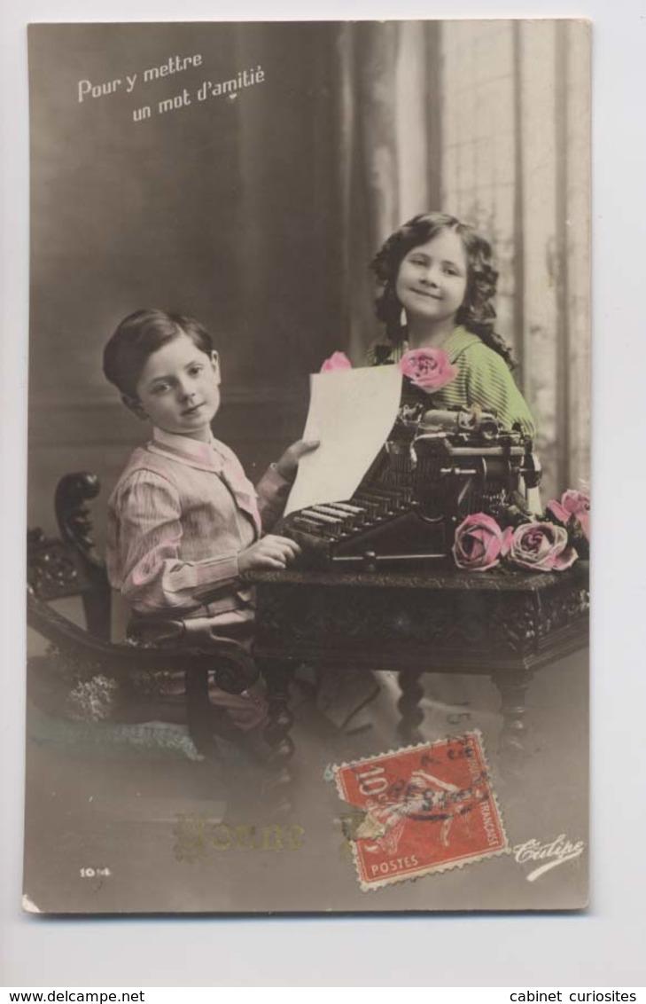 MACHINE A ÉCRIRE - Beaux Enfants - Colorisée - Animée - Typewriter - Groupes D'enfants & Familles