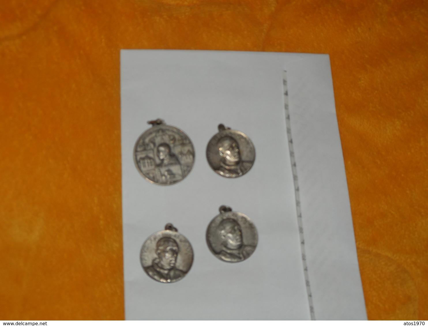 LOT DE 4 MEDAILLES RELIGIEUSES ANCIENNES DATE ?....A IDENTIFIER PIUS XII PONT. MAX....ITALIE ?.. - Non Classés