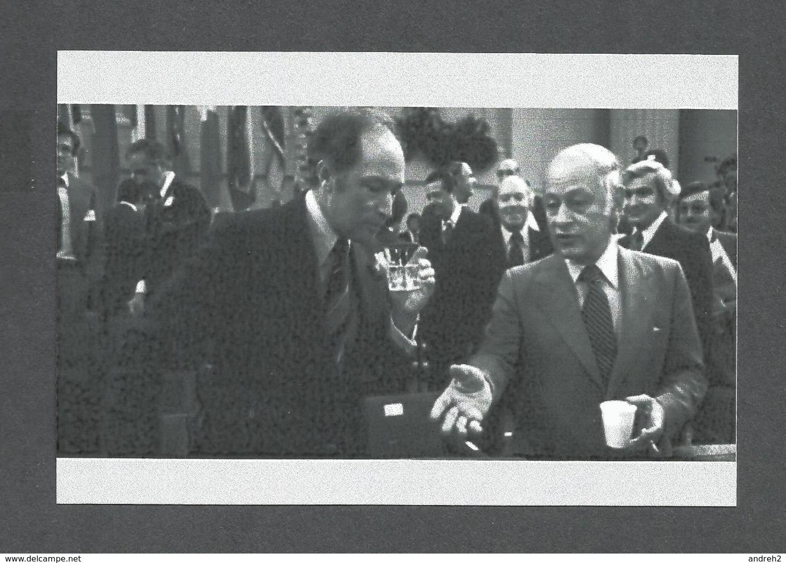 POLITIQUE DU QUÉBEC - RENÉ LÉVESQUE ET PIERRE ELLIOTT TRUDEAU LE RAPATRIEMENT DE LA CONSTITUTION DE 1982 - Personnages