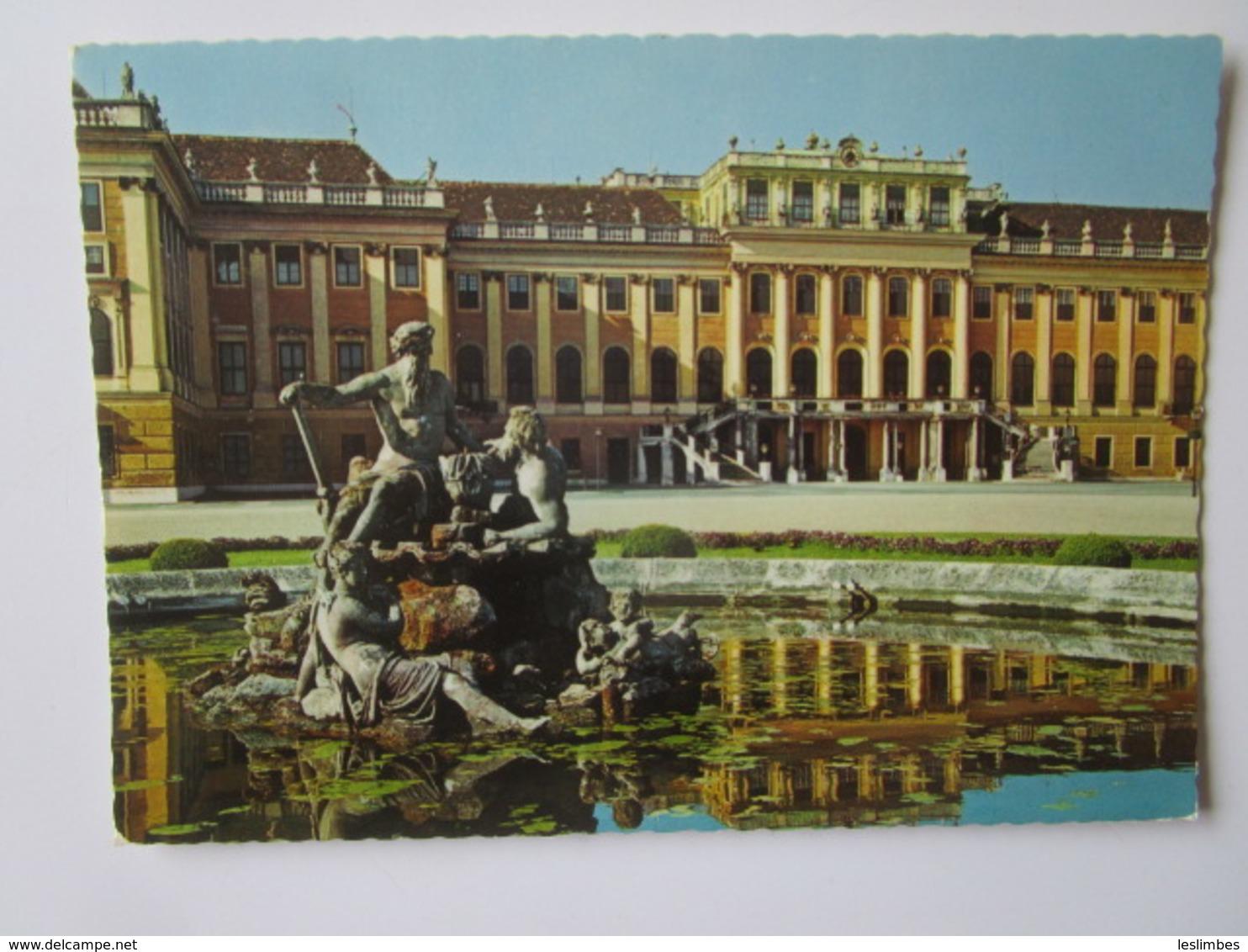 Wien. Schloss Schonbrunn. Nordfront Mit Chrenhof - Château De Schönbrunn
