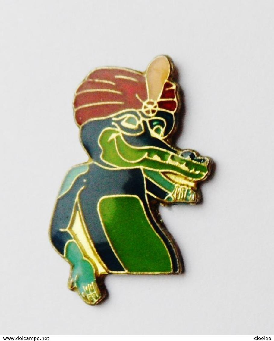 "Pin's Crocodile Amstrad ""grand Méchant Ordinateur"" - RO1 - Pin's"
