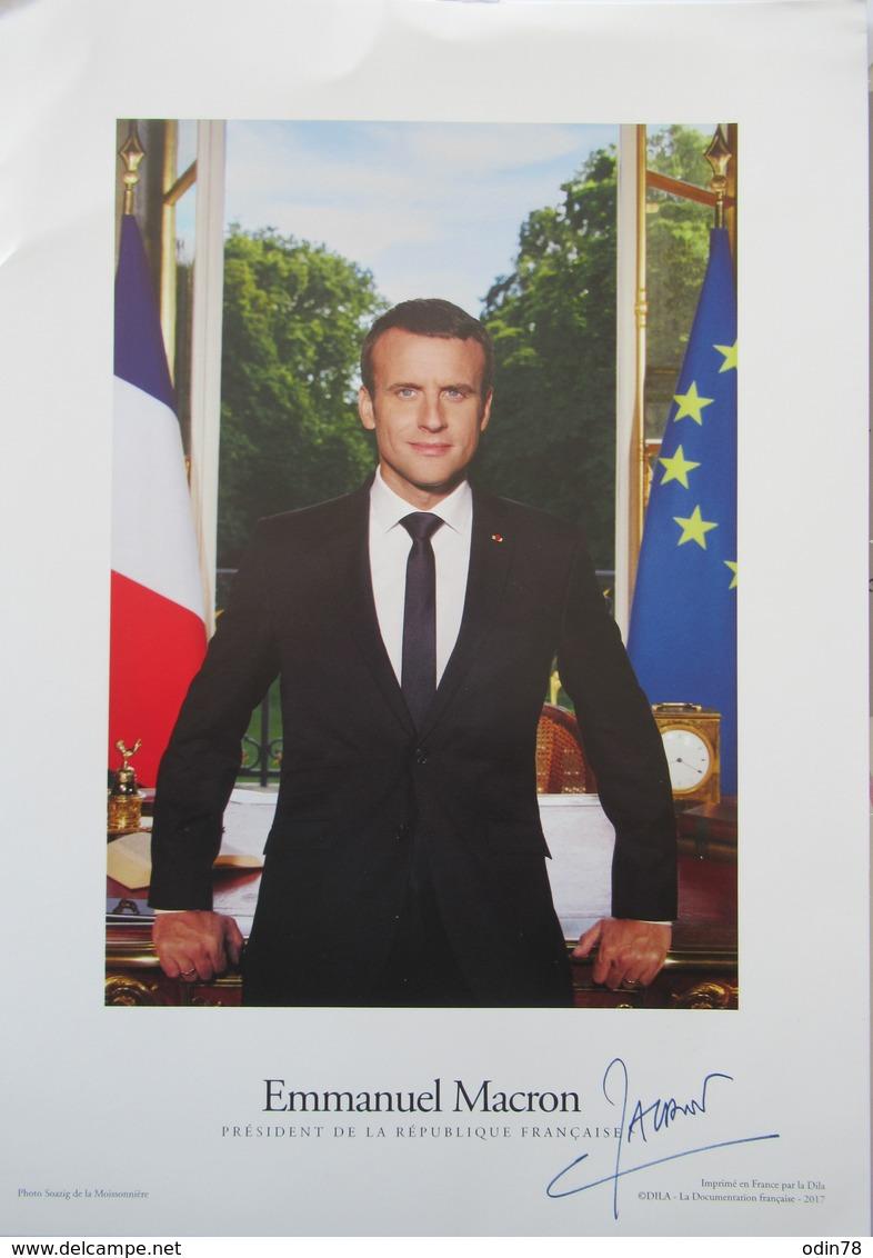 POLITIQUE -  PHOTO  DEDICACEE DE  MONSIEUR EMMANUEL MACRON - Autógrafos