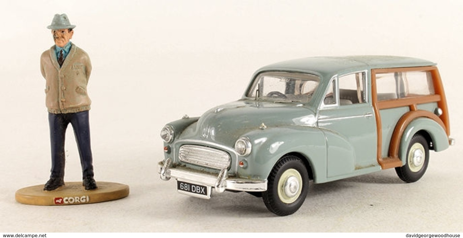 'Heartbeat' Morris Minor Traveller & Figure. - Corgi Toys