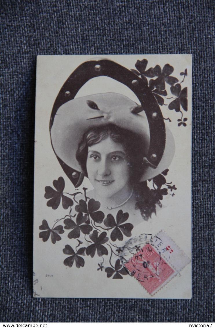 Jeune Femme Porte Bonheur - Femmes