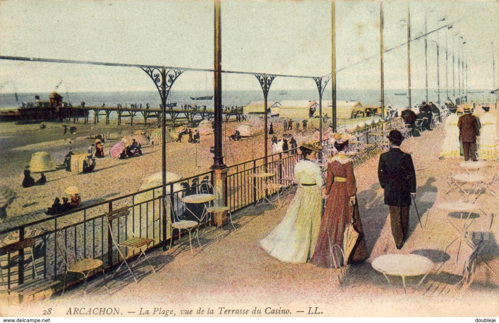 D33  ARCACHON  La Plage, Vue De La Terrasse Du Casino  ..... - Arcachon