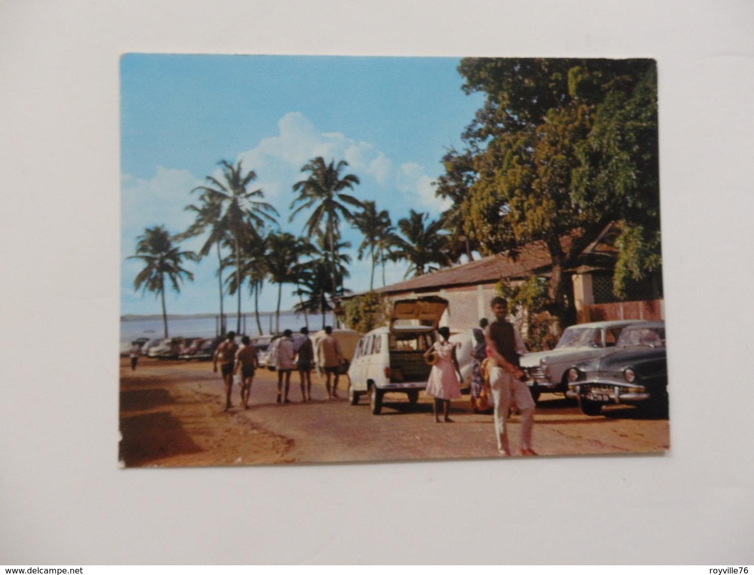 Diégo-Suarez Madagascar. Voitures Anciennes 4L, 404 Peugeot Et Autres. - Madagascar