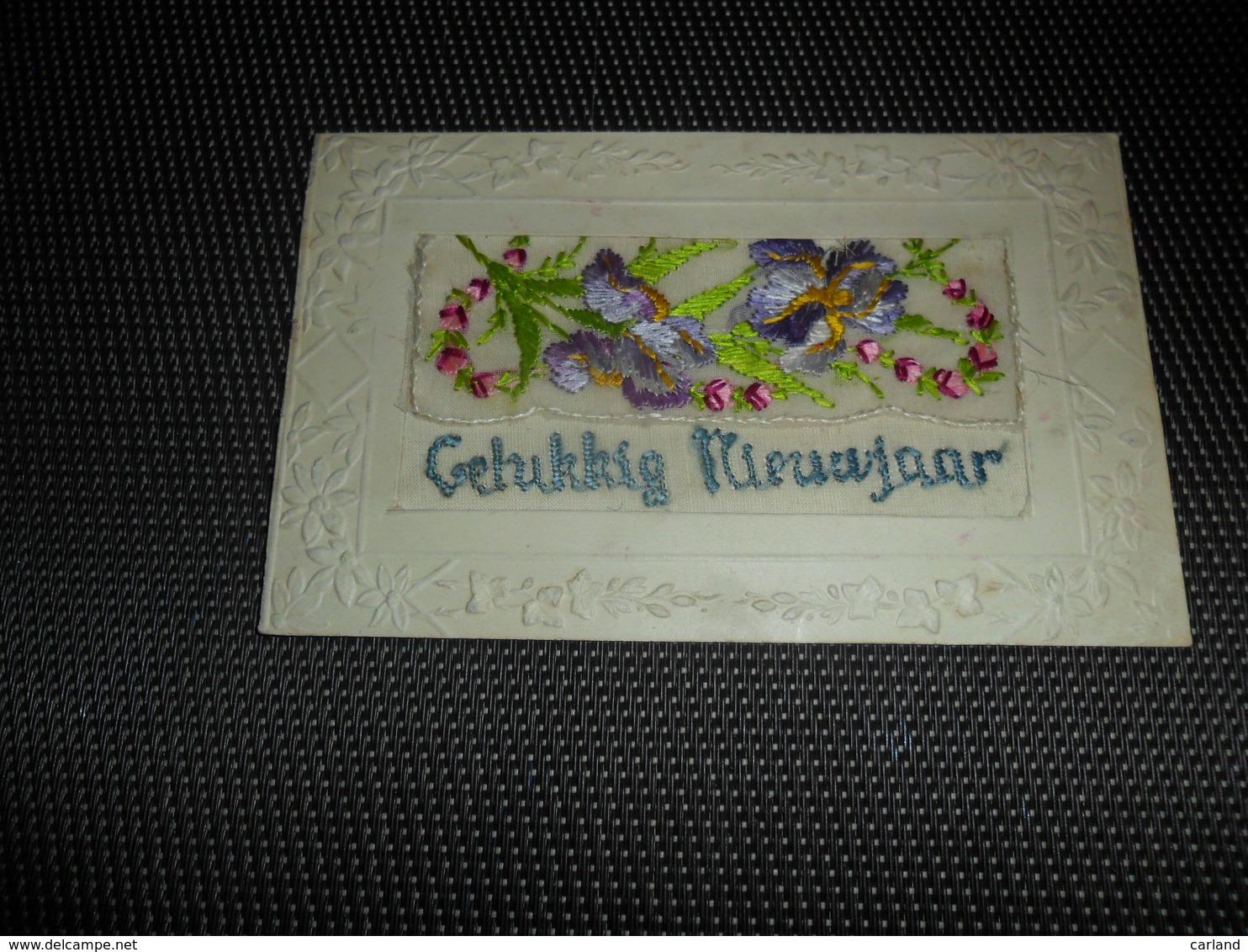 Carte Brodée ( 148 )  Geborduurde Kaart   Carte Enveloppe - Brodées