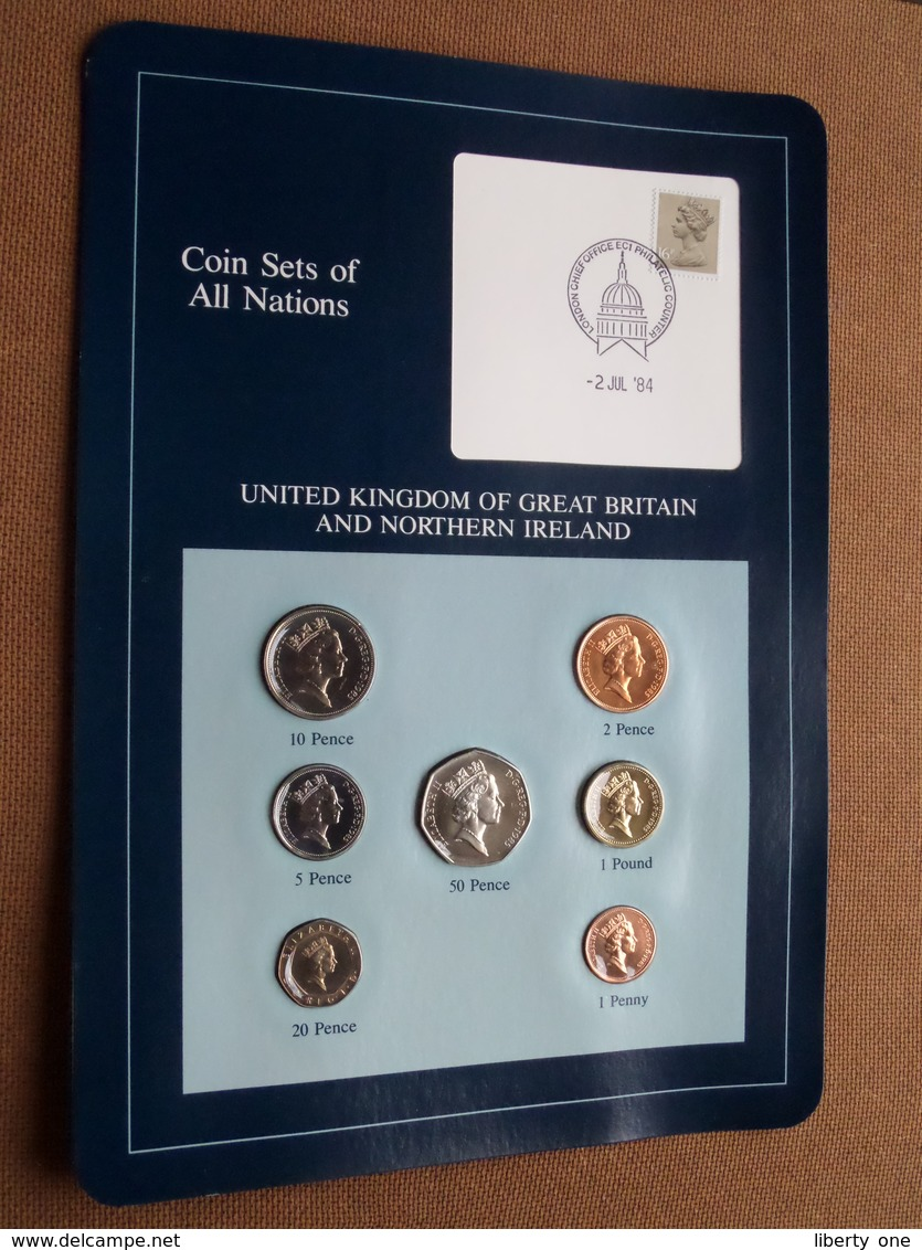 U.K. Of GREAT BRITAIN And N. IRELAND ( From The Serie Coin Sets Of All Nations ) Card 20,5 X 29,5 Cm. ) + Stamp '84 ! - Grossbritannien