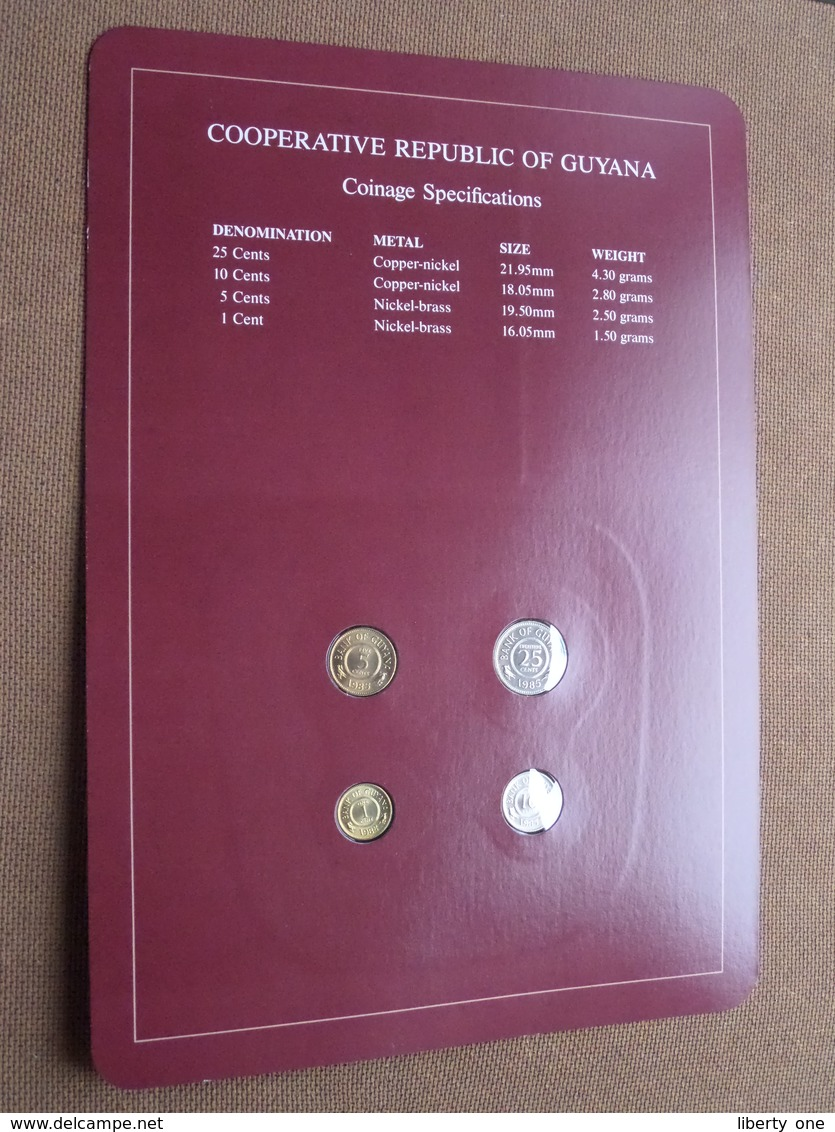 COOPERATIVE REPUBLIC OF GUYANA ( From The Serie Coin Sets Of All Nations ) Card 20,5 X 29,5 Cm. ) + Stamp '84 ! - Guyana