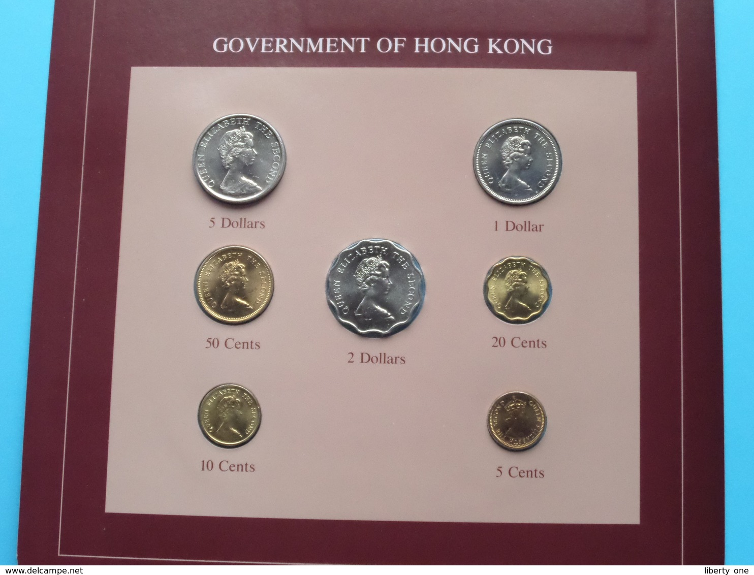GOVERNMENT OF HONG KONG ( From The Serie Coin Sets Of All Nations ) Card 20,5 X 29,5 Cm. ) + Stamp '83 ! - Hong Kong