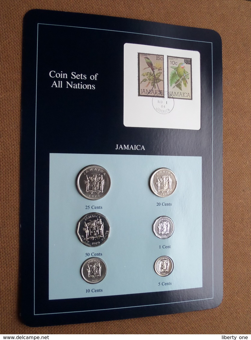 JAMAICA ( From The Serie Coin Sets Of All Nations ) Card 20,5 X 29,5 Cm. ) + Stamp '84 ! - Jamaique
