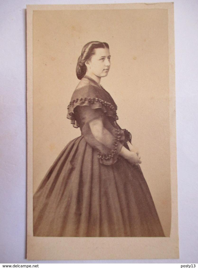 Photographie Ancienne CDV Albumen  - Second Empire - Jeune Femme - Photo De Jongh & Bargignac, Marseille    - T BE - Photos