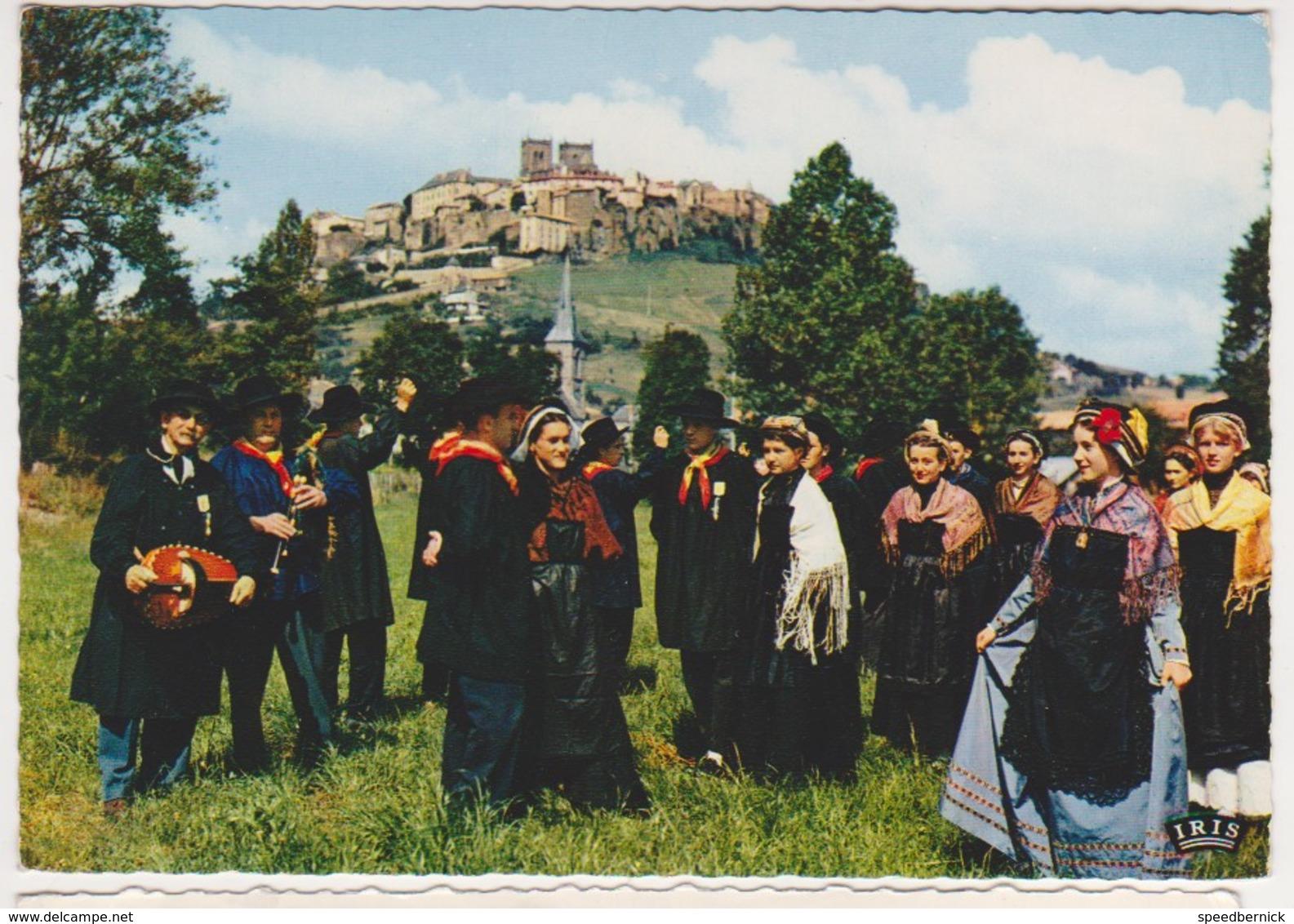 26934 Saint Flour Danses Folkloriques -arriere Plan Ville Haute - 9 Theojac - Saint Flour