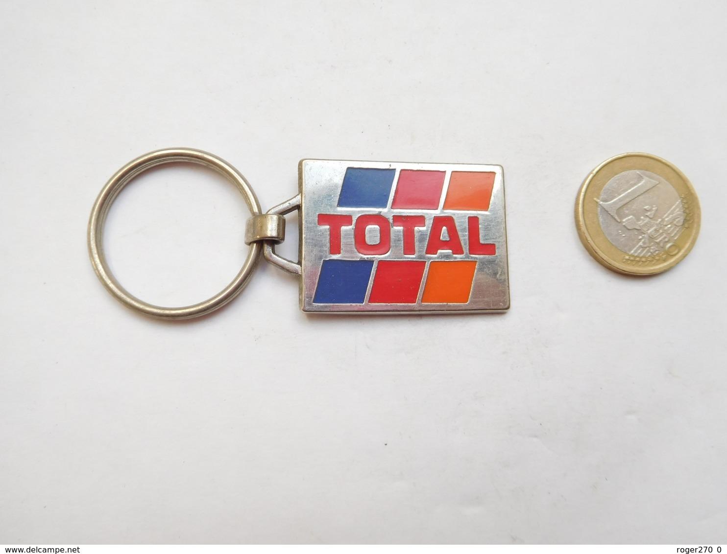 Beau Porte Clés , Carburant Essence Total - Porte-clefs