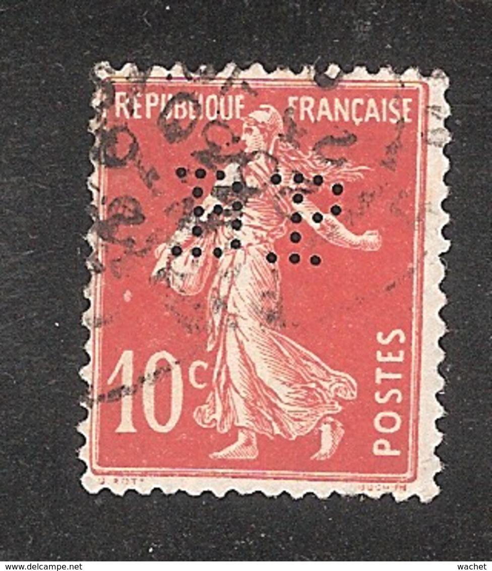 Perforé/perfin/lochung France No 138 BP Banque De Paris Et Des Pays Bas (143) - France