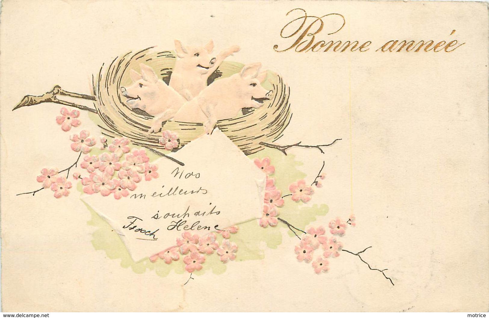 BONNE ANNÉE -  Cochons Dans Un Nid (carte Gaufrée) - Cochons