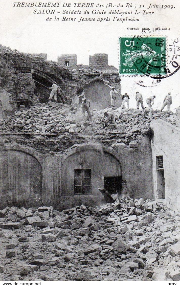 205-3801 - 13 Salon - Tremblement De Terre Soldats Du Génie Déblayant La Tour De La Reine Jeanne - Salon De Provence