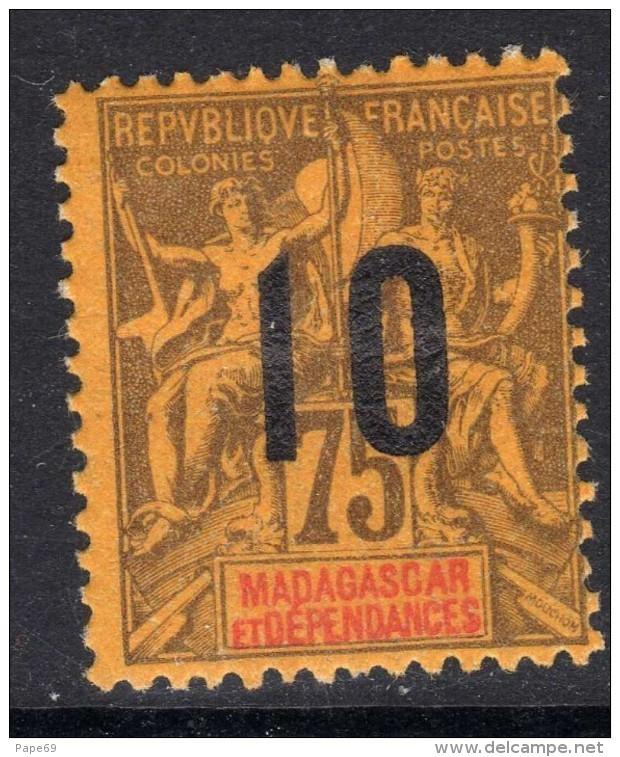 Madagascar N° 114 X Timbres 1896 / 1900 Surchargés 10  Sur75 C. Violet Sur Jaune  Trace De Charnière Sinon TB - Madagascar (1889-1960)