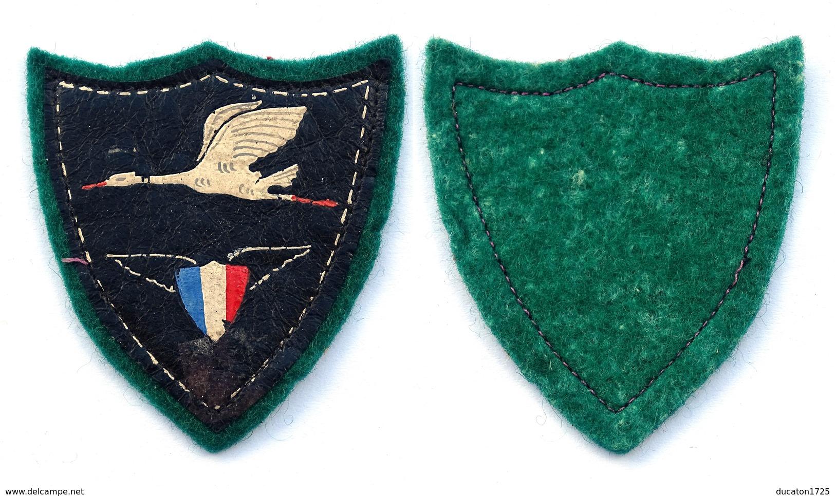 Insigne-Tissu Patriotique D'Aviation Période Vichy. Marechal Petain 1940-1944. - Badges & Ribbons