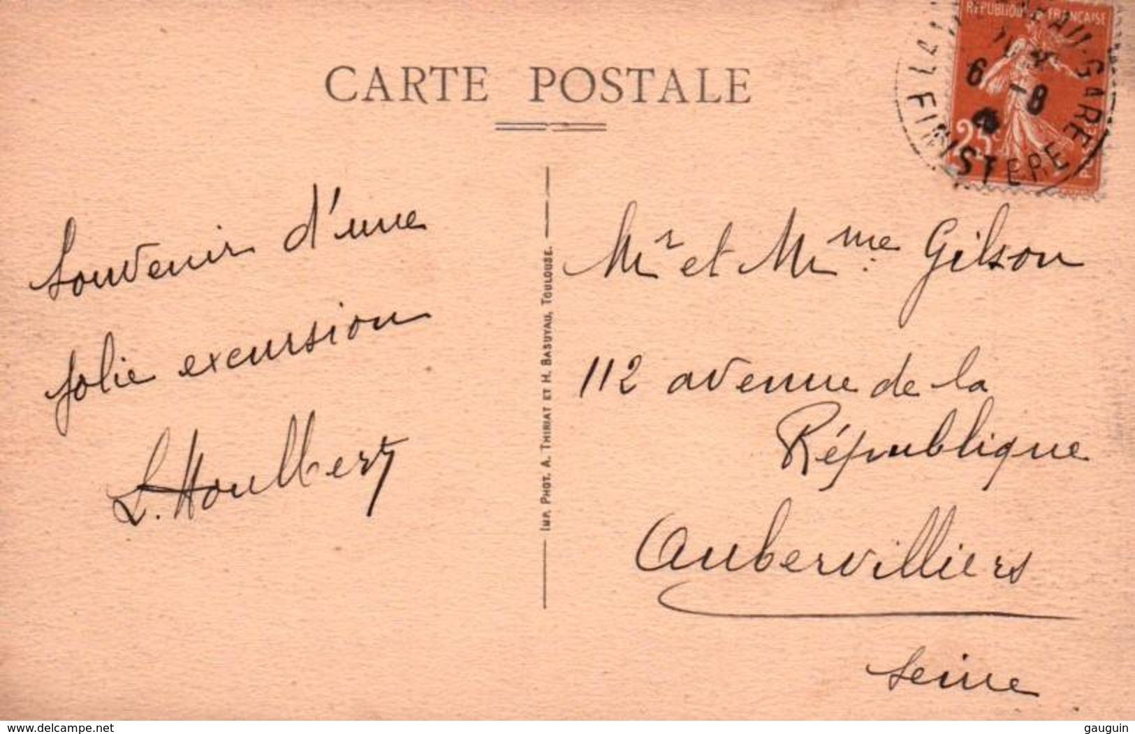 CPA - BRIGNOGAN - Entrée Du Château De Kerjean (voiture) - Brignogan-Plage