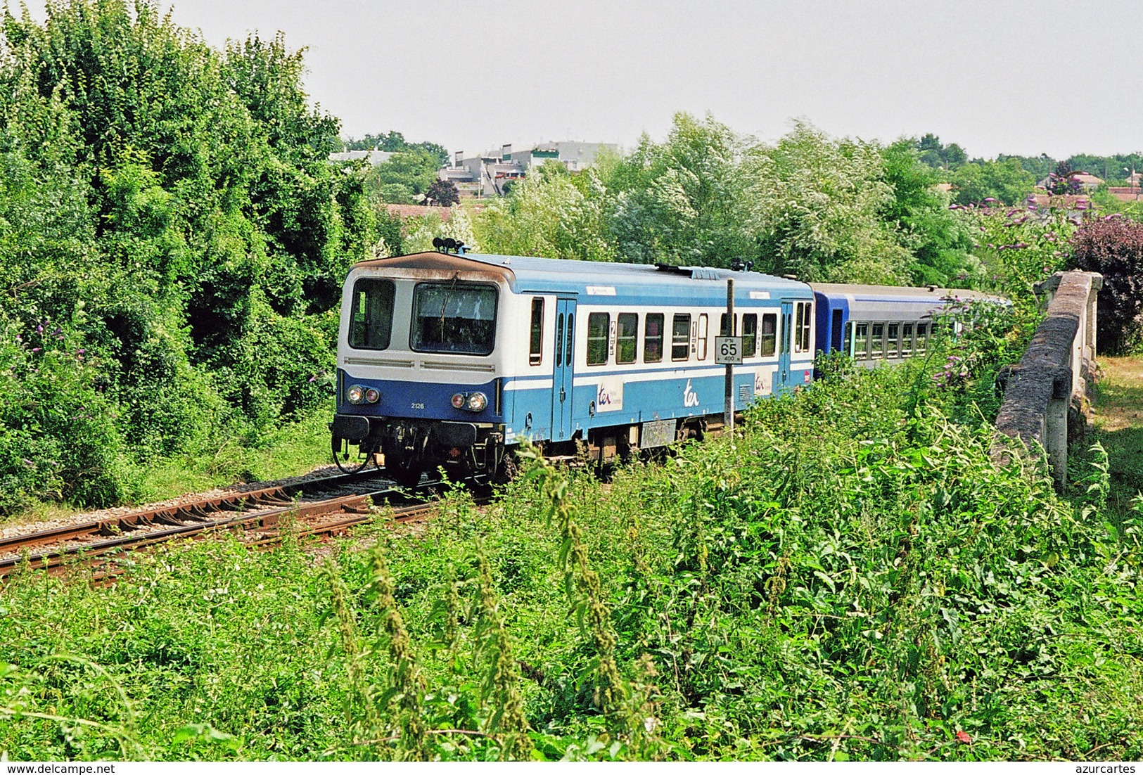 Saint Michel Sur Charente (16 - France) 24 Juillet 2008 - Autorail X 2126 Assurant Un TER Angoulême / Saintes - Trains