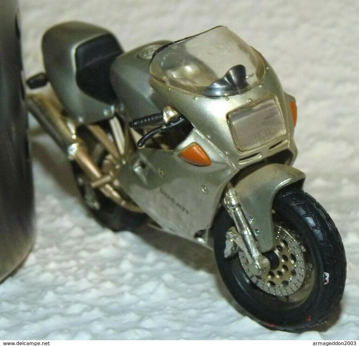 MAISTO MOTO 1/18 DUCATI SUPERSPORT 900 FE Be Mais Manque La Bequille - Motos