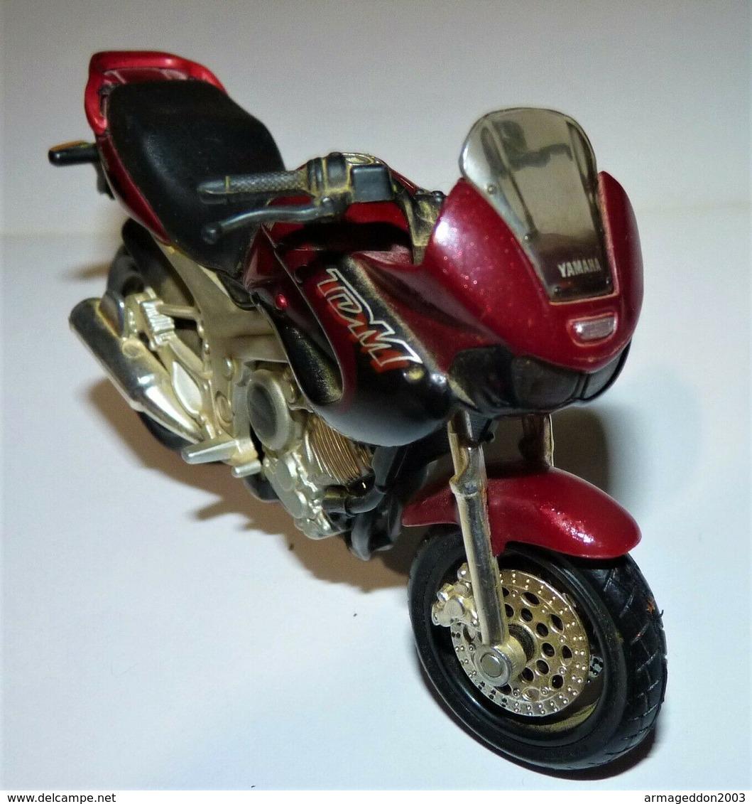 MAISTO MOTO 1/18 YAMAHA TDM Twin 850 TBE - Motos