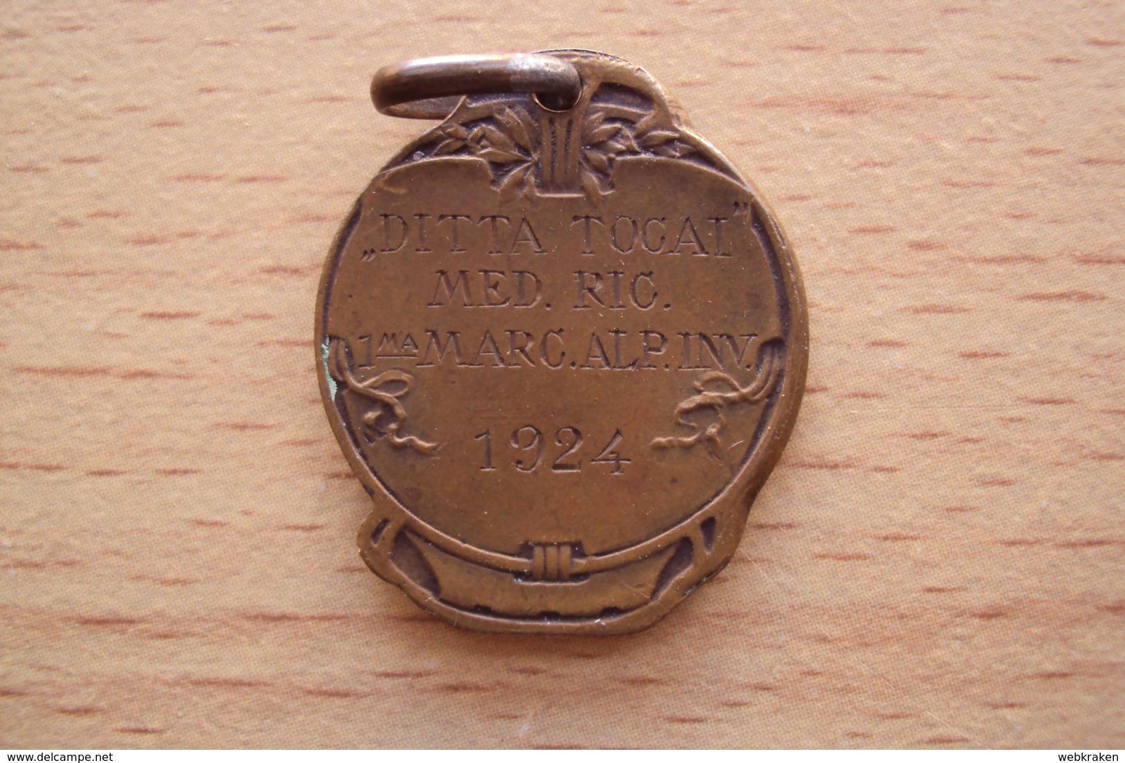 ITALY VINTAGE OLD MEDALS VECCHIA MEDAGLIA FRIULI VENEZIA GIULIA DITTA TOCAI 1a MARCIA ALPINA 1924  DIAMETRO CM. 2 - Italia