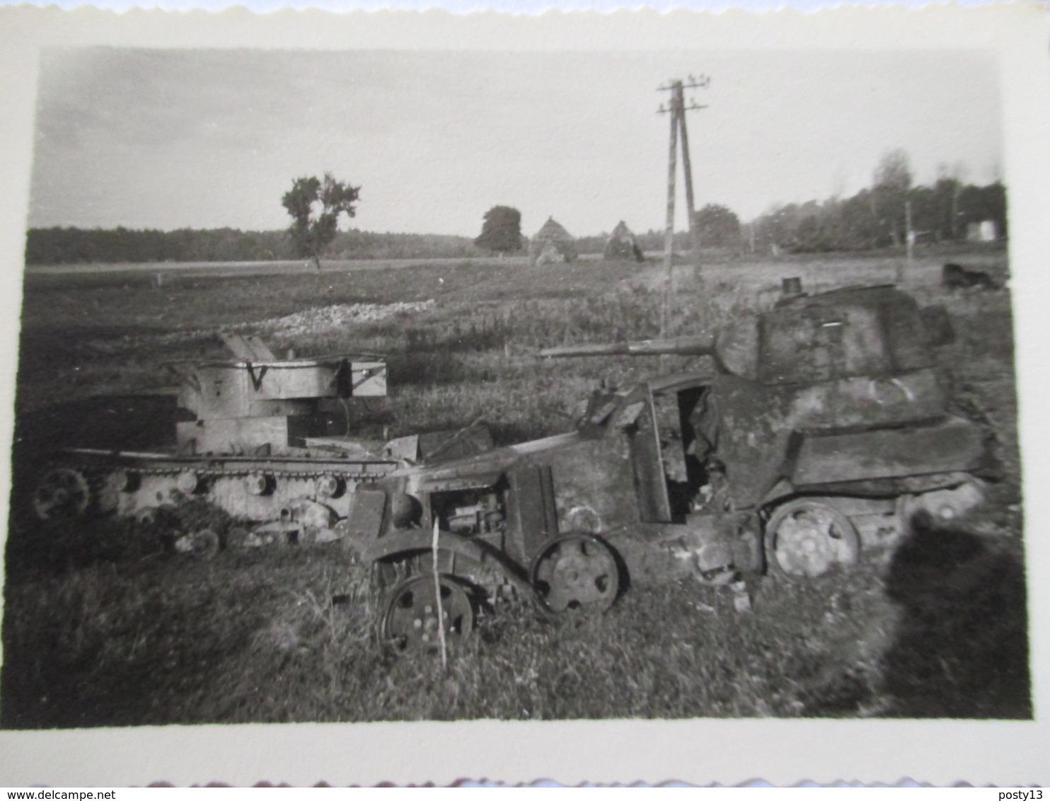 Lot 2 Photographies Originales    CHARS  D'ASSAUT  - Blindés -   9 X 6  - TBE - Véhicules