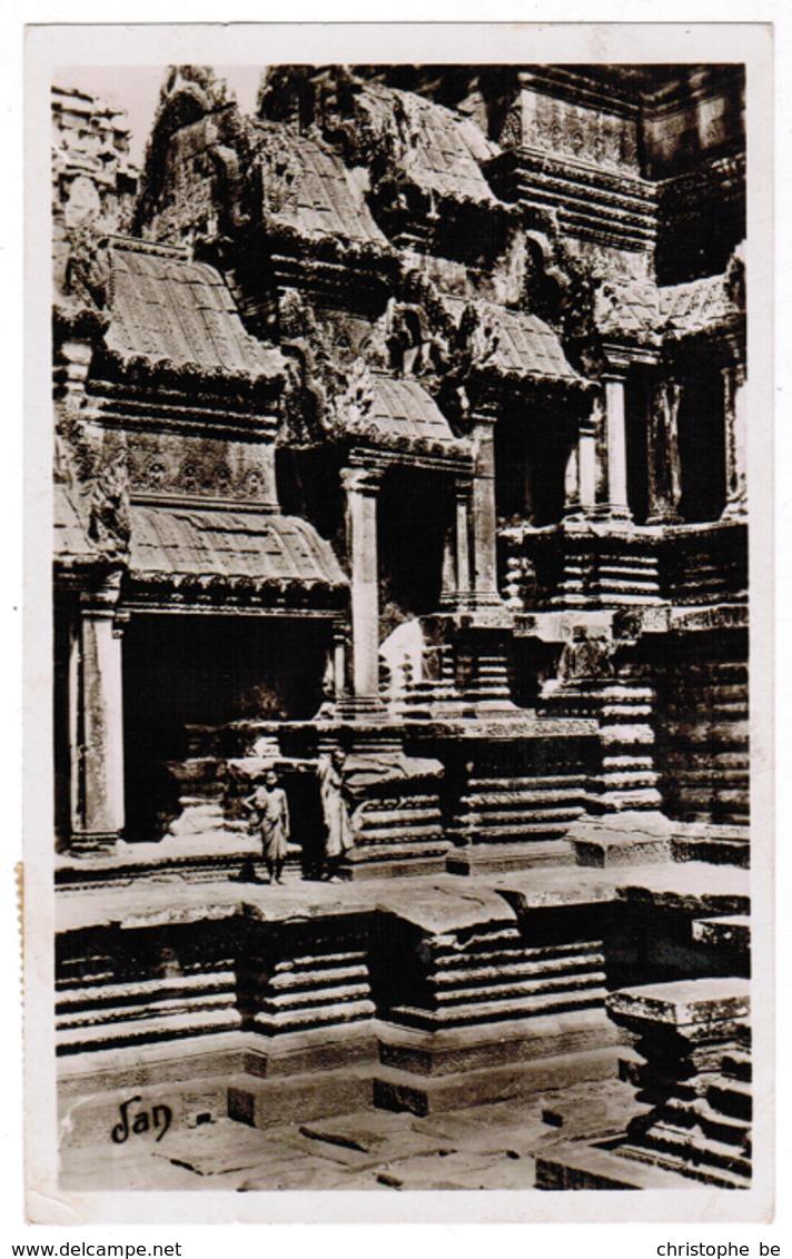 Cambodja, Cambodge, Angkor Vath, Un Coin De La Cour, Notre France Lointaine (pk55847) - Cambodge