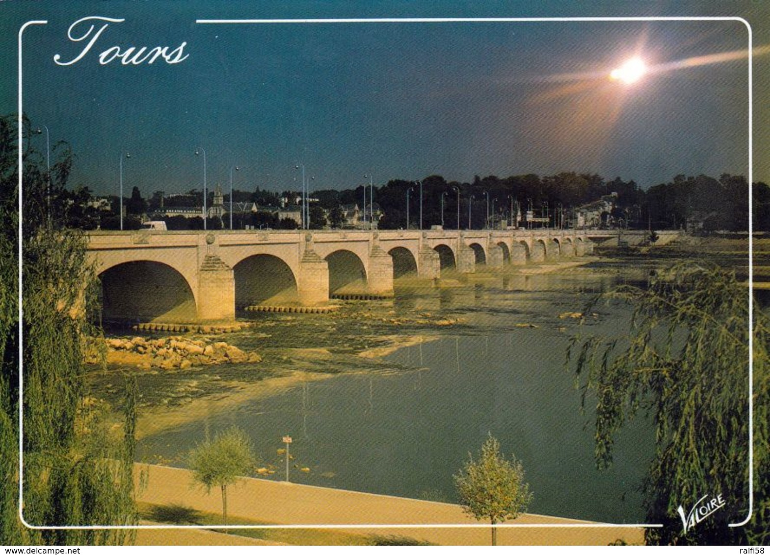 1 AK Frankreich * Die Wilson-Brücke über Die Loire In Der Stadt Tours - Erbaut 1765 – 1810  - Département Indre-et-Loire - Tours