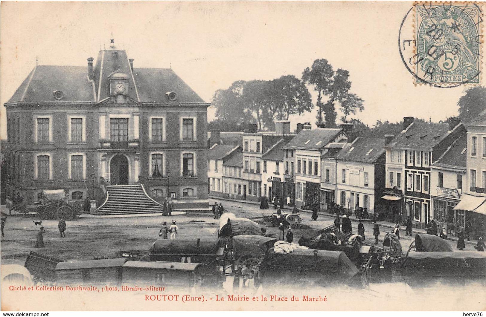 ROUTOT - La Mairie Et La Place Du Marché - Routot