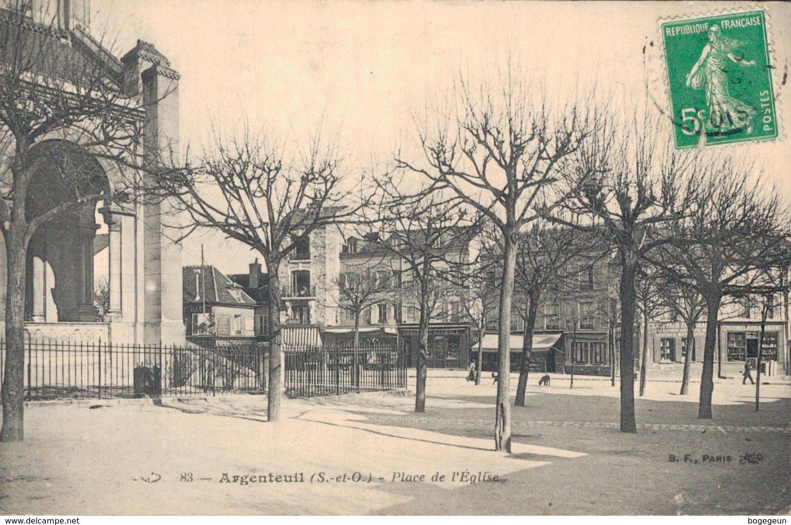 95 83 ARGENTEUIL Place De L'Eglise - Argenteuil