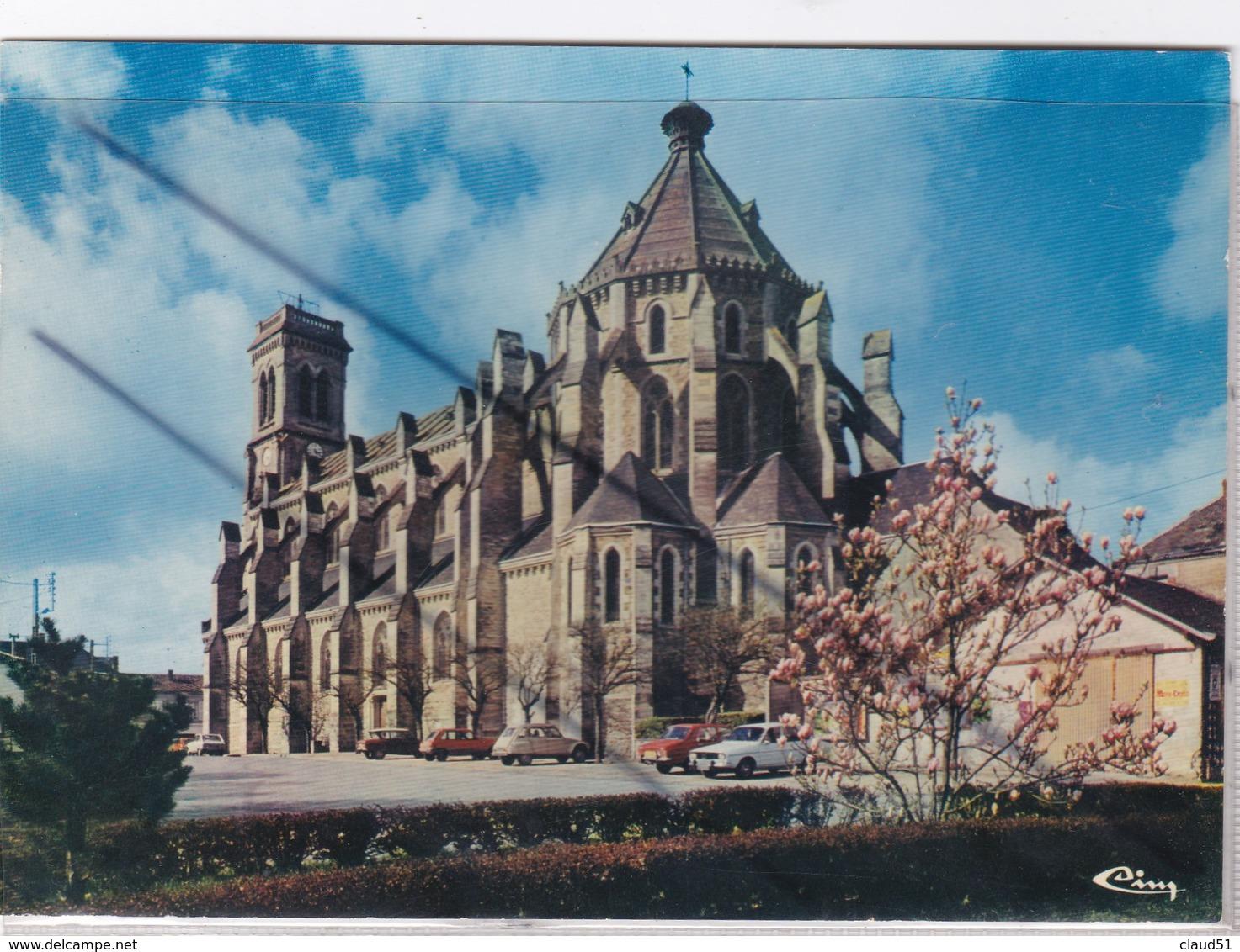 Aizenay (85) L'Eglise Saint Benoit - Aizenay