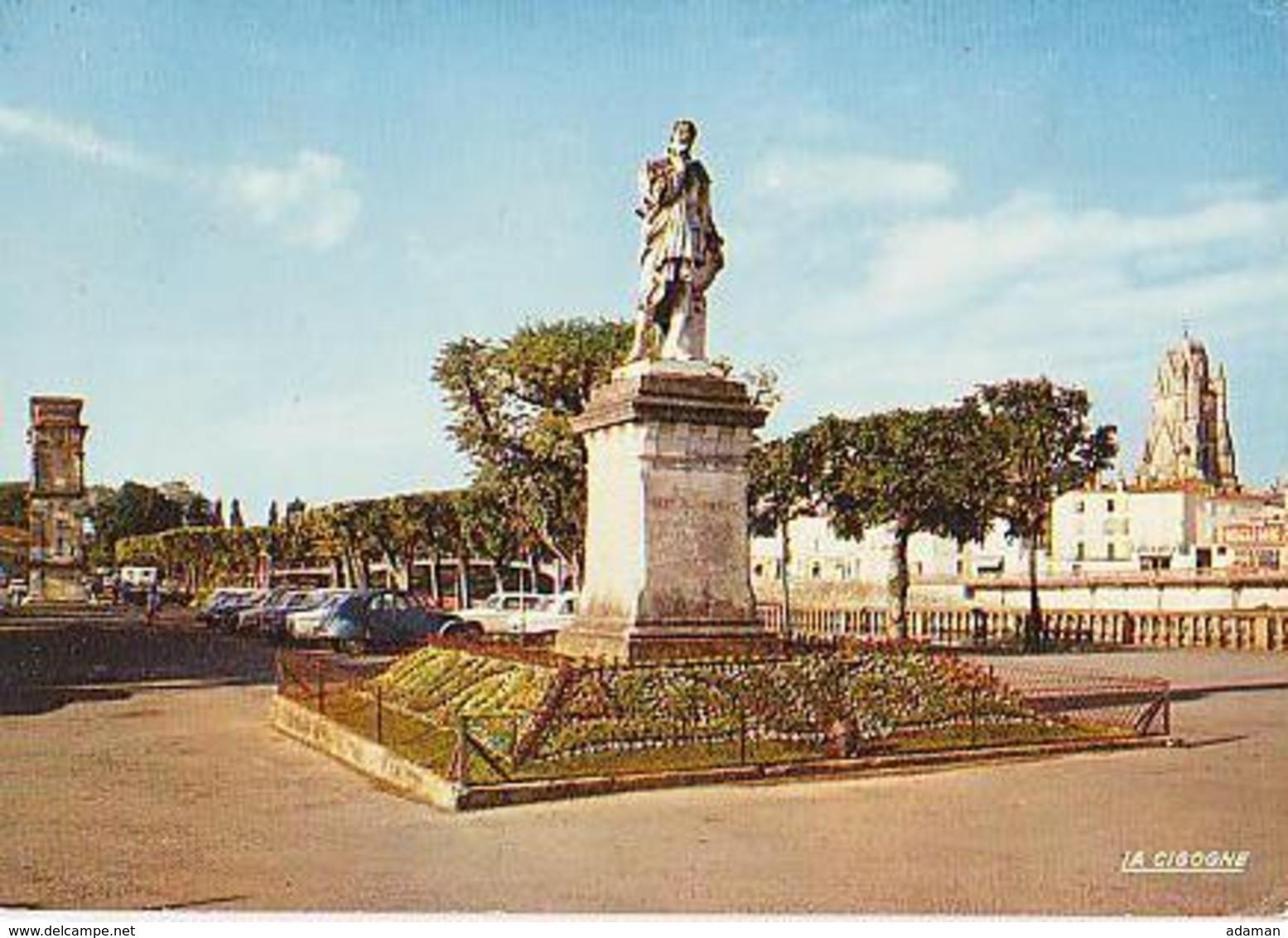Saintes   H832            L'arc Romain, La Statue De B Palissy Et La Cathédrale .... - Saintes