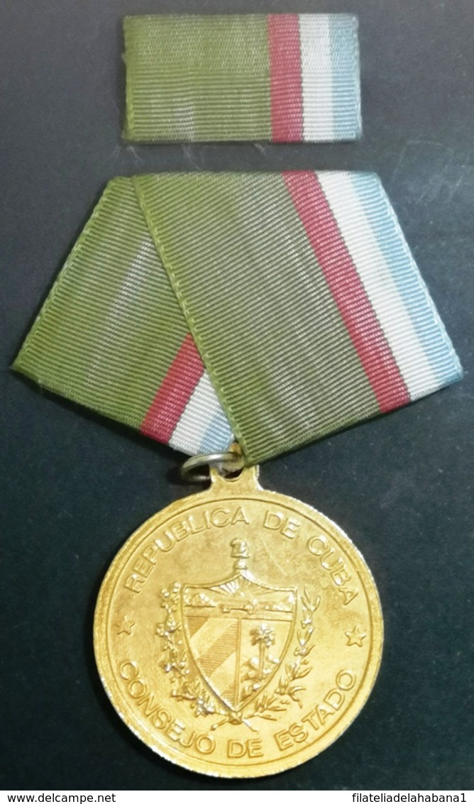 O235 CUBA MEDALLA MEDAL LIBERACION, FIDEL CASTRO. - Medals