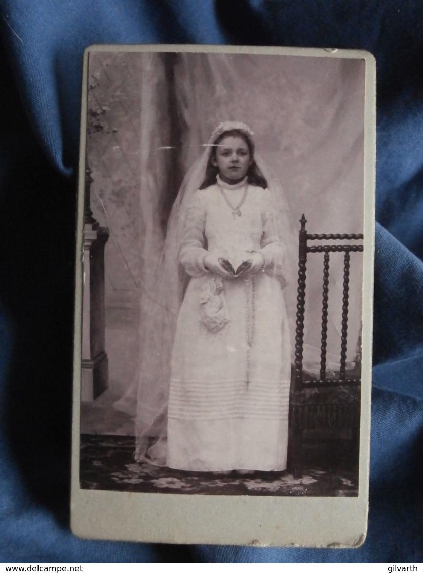 CDV Photo Louis Lecpon à Versailles - Première Communion ( Louise Hamon) 29 Mai 1902 L432B - Photographs