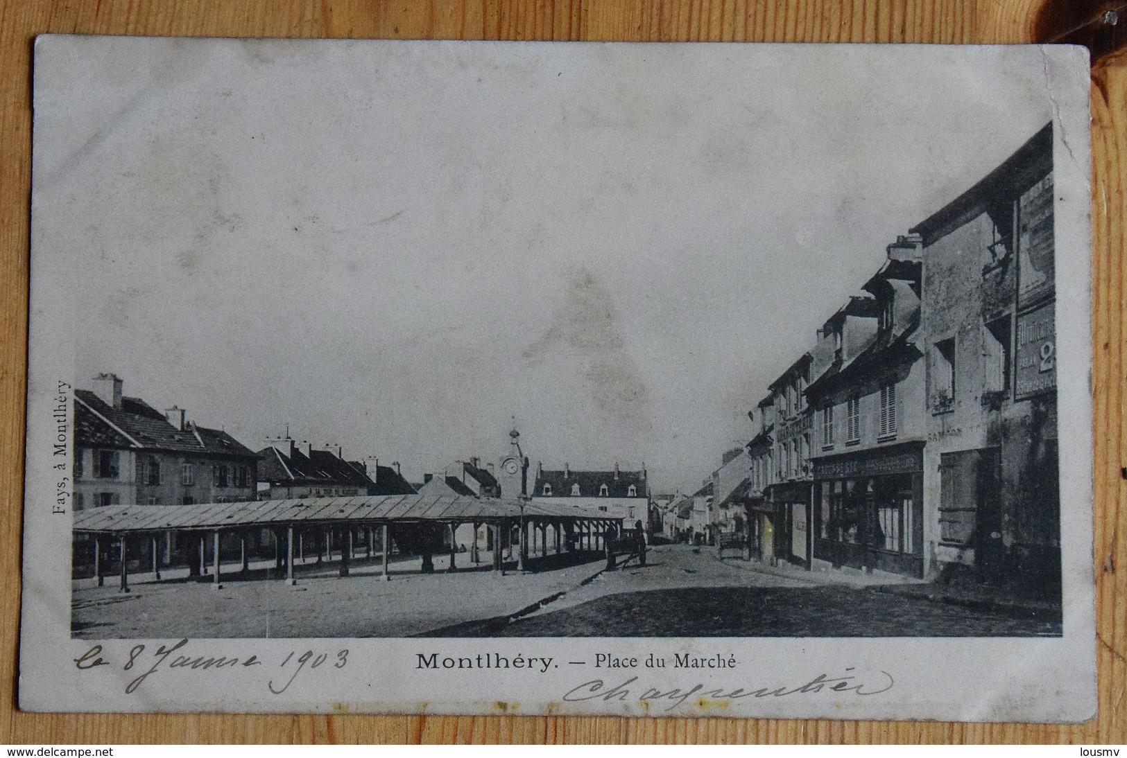 91 : Monthléry - Place Du Marché - Animée : Petite Animation - Dos Simple 1903 - Taches - (n°14900) - Montlhery