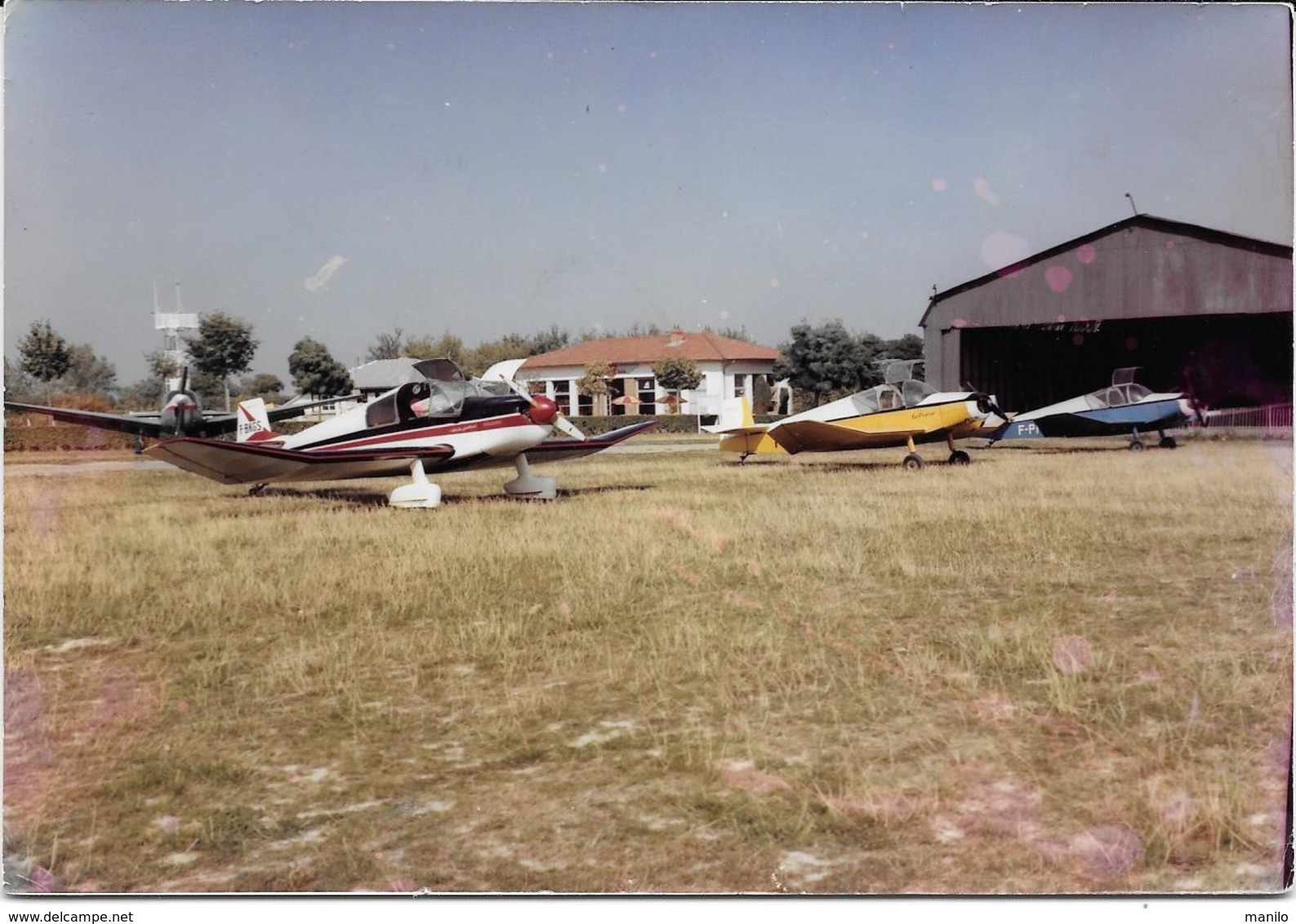 MACON -AERODROME -UN HANGAR, AERO-BAR, APPAREILS DE MESURE METEO, AVIONS Photo Originale 1964-COMBIER CIM Imp à Macon - Aviation