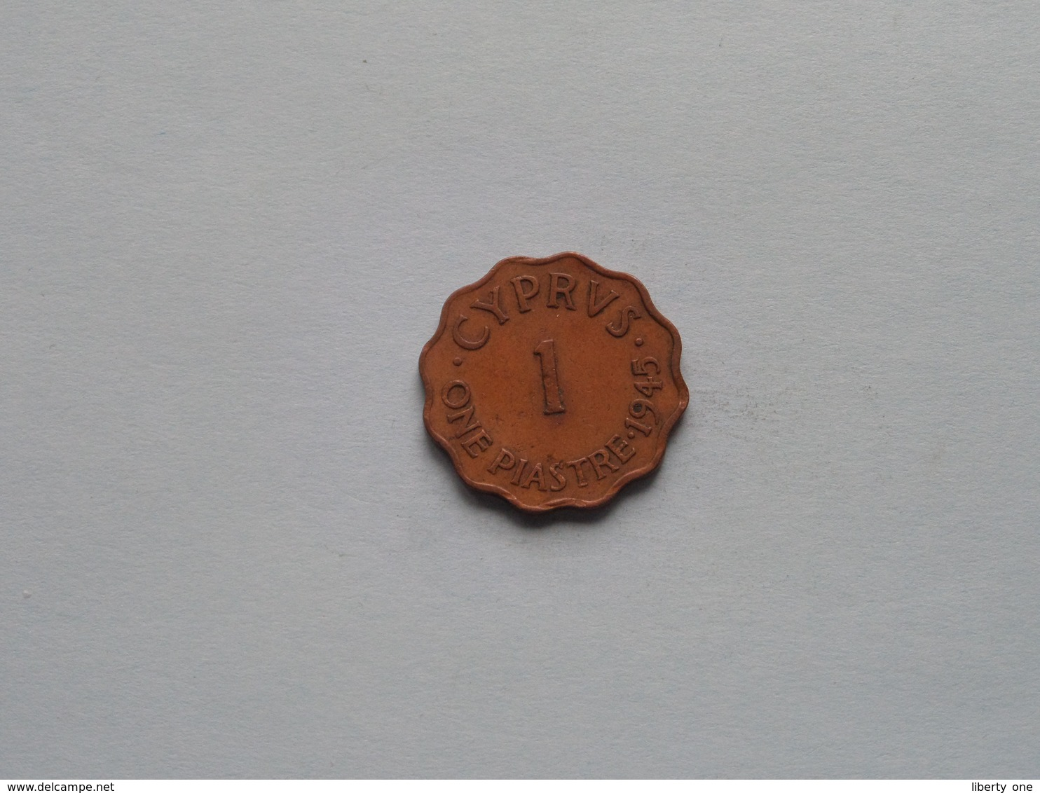 1945 - One Piastre () KM 23a ( For Grade, Please See Photo ) ! - Chypre