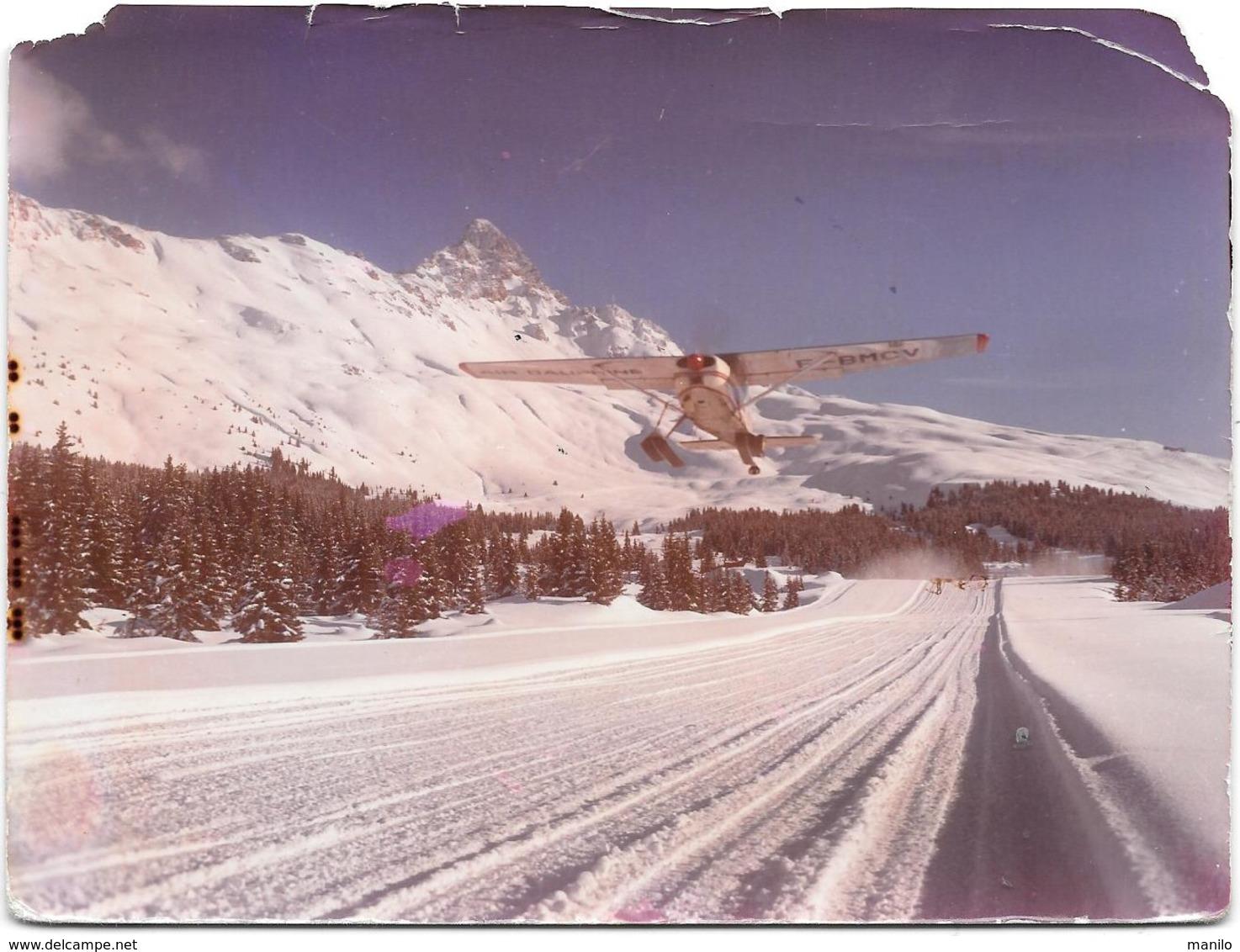 MERIBEL LES ALLUES - L'ALTIPORT - AVION AU DECOLLAGE - LA DENT DE BURGIN  Photo Originale 1966- COMBIER CIM Imp à Macon - Aviation